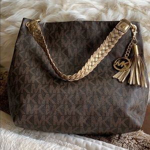 MK TOTE GENTLY USED!